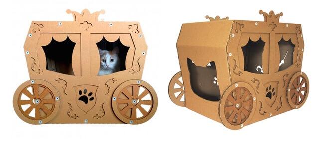 馬車のダンボール猫ハウス