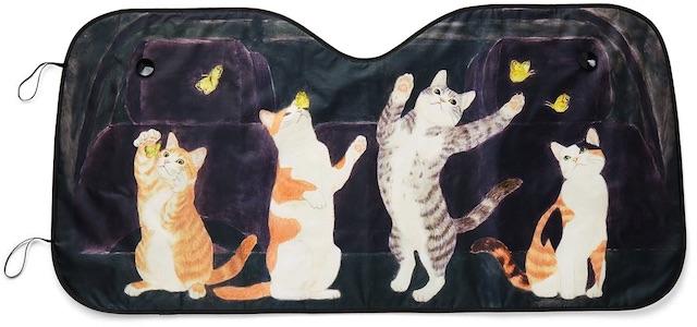 フェリシモ猫部から発売された、猫がデザインされた自動車用のサンシェード