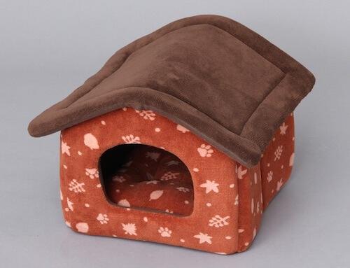 ペットハウス:穴ぐらで眠ることをイメージした形状
