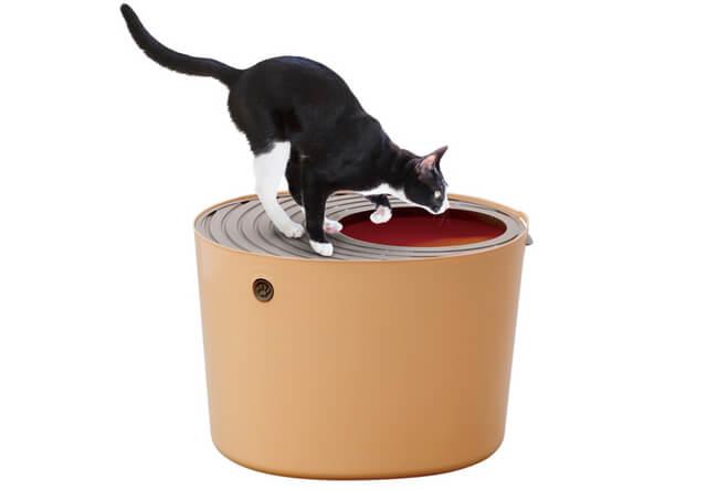 アイリスオーヤマ、上から入るタイプの「上から猫トイレ」