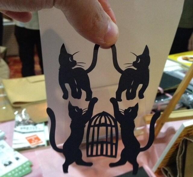 高木亮さんの猫の切り絵