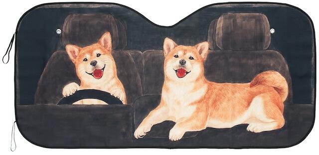 犬がデザインされた車用の日除け「ワンシェード」