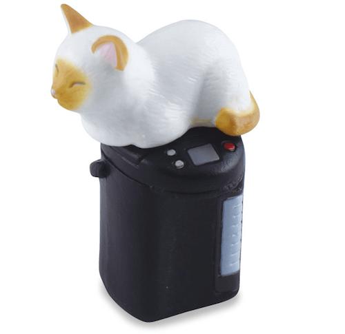 シャム猫×給湯ポット(猫のフィギュア 吾輩の定位置)