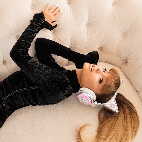 ネコ耳型ヘッドフォン「AXENT WEAR(アクセント ウェア)」のアリアナ・グランデ」限定モデル2