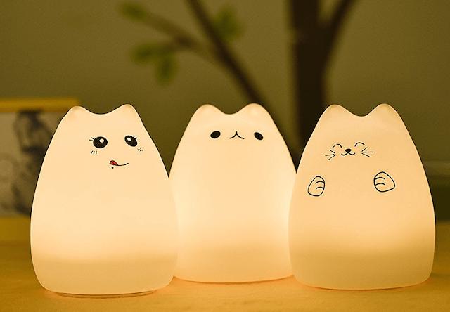 ずんぐりボディが可愛い猫型ランプ、表情は「人気猫・招き猫・食いしん坊猫」3タイプ