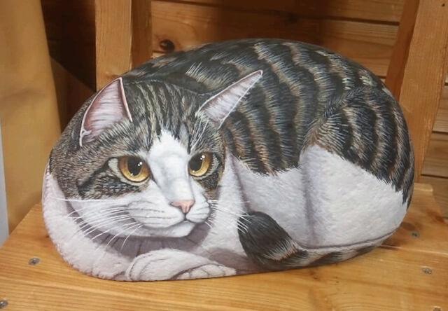 晴れるや工房が制作した石猫
