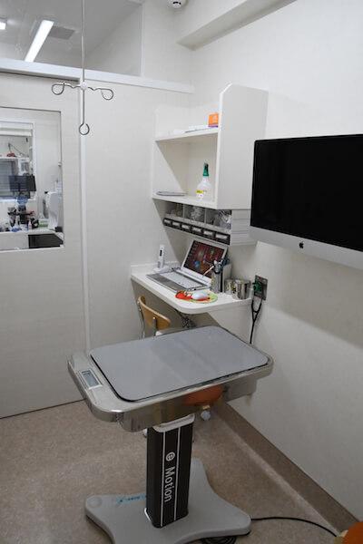 「動物病院京都 ねこの病院」の治療室