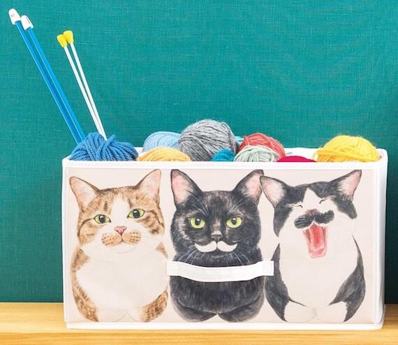 猫が「香箱座り」しているイラストをデザインした収納ボックス