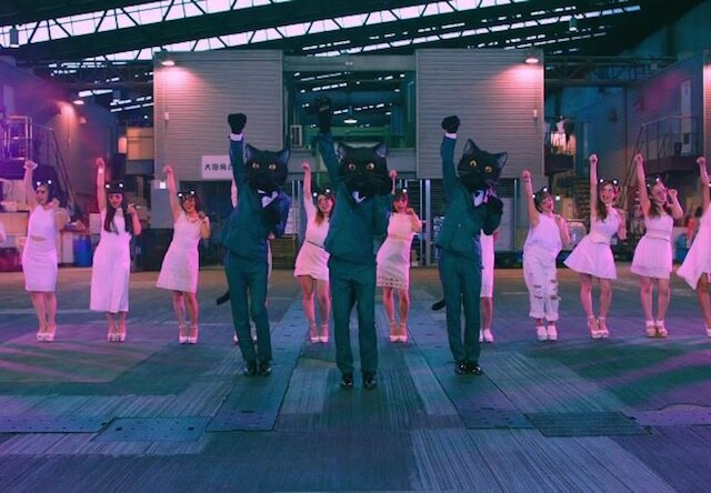 上野隆博氏が考案した、皆が踊りやすい振り付けになっているサビのシーン