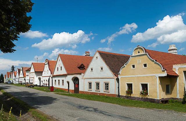 チェコの世界遺産、ボヘミア地方の歴史的な景観が残る「ホラショヴィツェ」