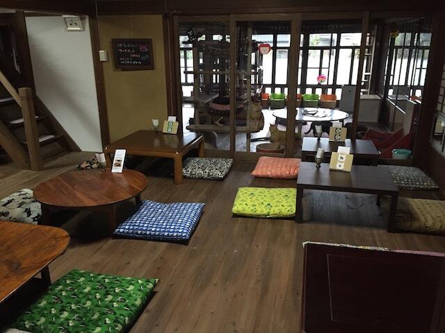 保護猫カフェ「Cafe Gatto」の店内の様子