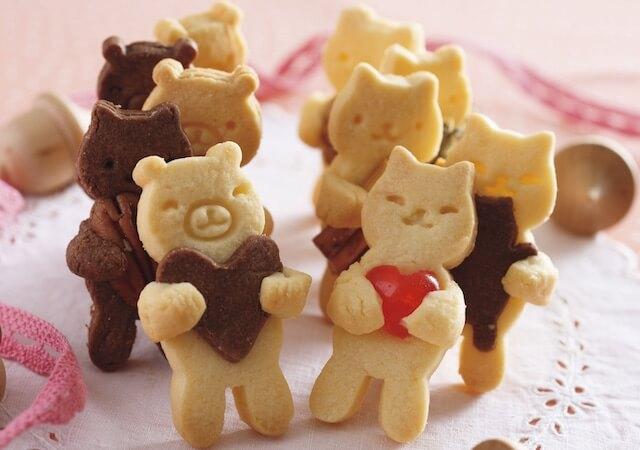 貝印×クックパッドの抜き型で作った、猫と熊のクッキー