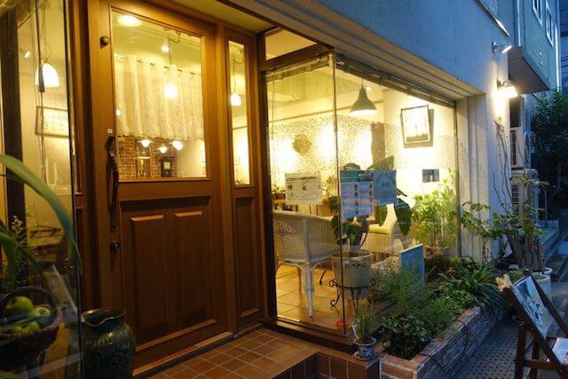 東京・錦糸町にある「カフェ青りんご」の外観