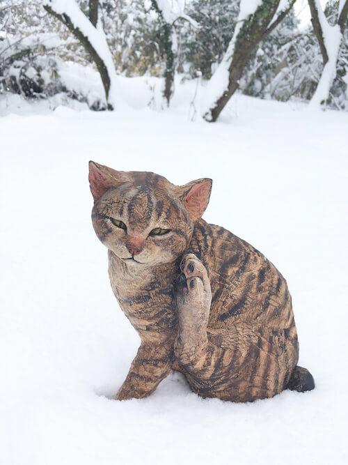 はしもとみおの猫作品「彫刻」