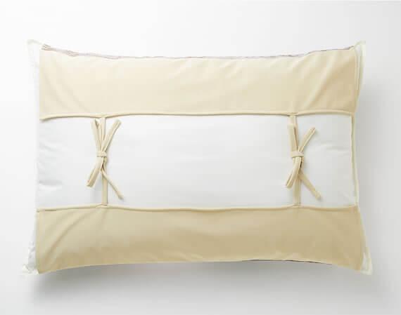 人気猫「ギズモさん」の枕カバー、裏側のイメージ