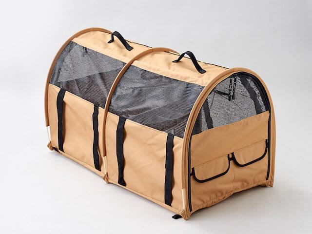 猫キャリーバッグ「ペットツインカーゴ」の背面写真