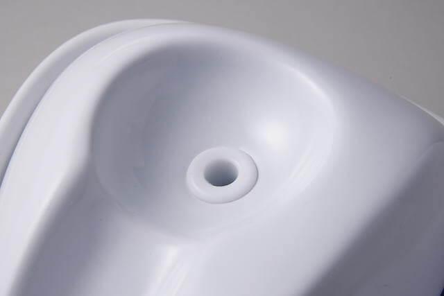 本体上部にある水が流れ出る部分