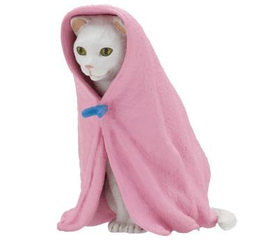猫フィギュア「ねこくるみ」、白猫バージョン