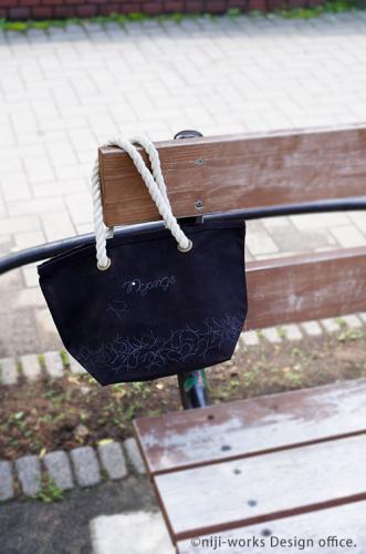 ネコ毛が目立ちにくいNyange(にゃんげ)シリーズのロープトートバッグ(黒)
