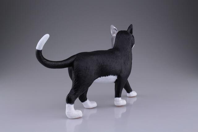 超リアルな猫の解剖模型(右後方から見た外観)