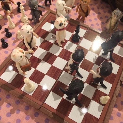 「どやねこ」をチェスの駒に見立てた作品