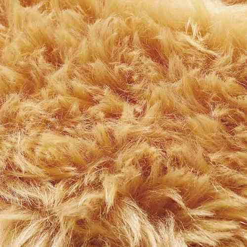 側面はふーちゃんの体毛の色をイメージして染め上げたフェイクファー