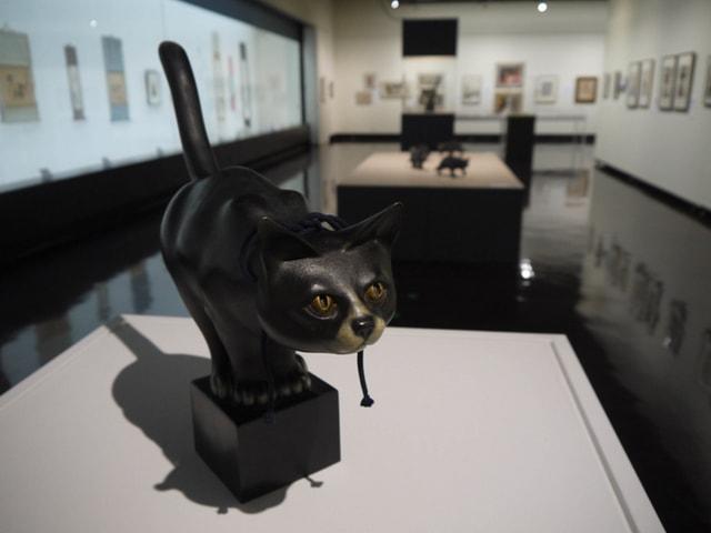 猫まみれ展の展示作品 by 旭川美術館