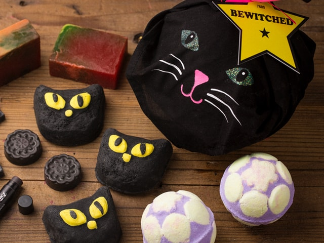 ハロウィン限定!ラッシュ(LUSH)から黒猫のバブルバー(入浴剤)が登場