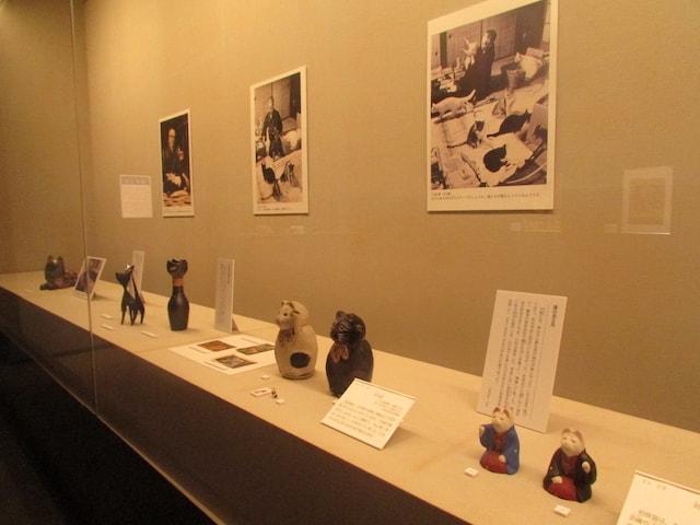 那珂川町馬頭広重美術館で開催中の「大佛次郎と501匹の猫」展示作品