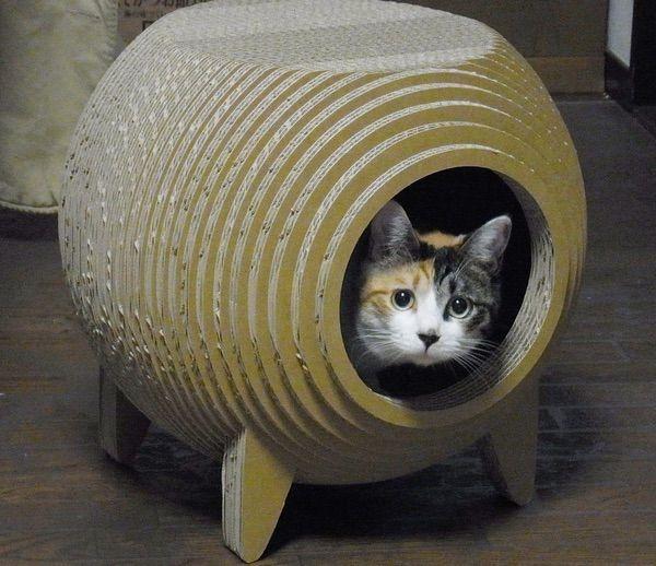 強化段ボール製の猫ハウス「RINGO」(リンゴ)