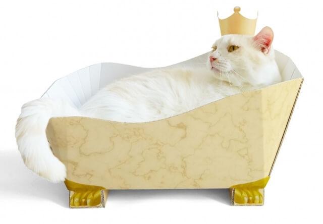 猫の入浴シーンを再現できる!お風呂型の爪とぎが登場