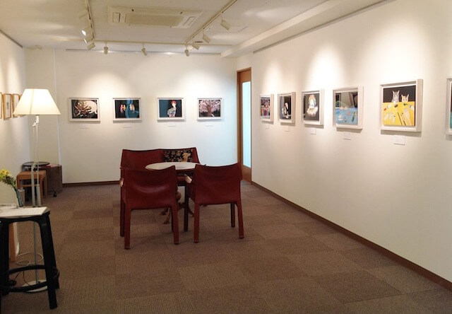 猫づくしカレンダー展「田中千智の猫物語」、原画の展示風景