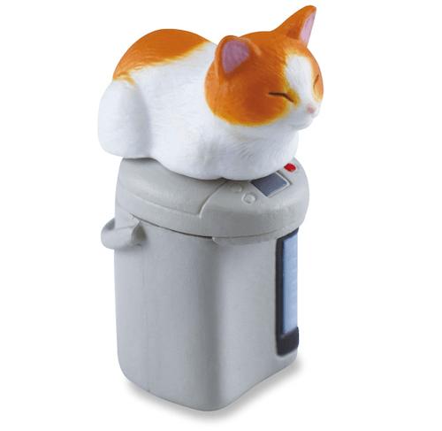 茶白猫×給湯ポット(猫のフィギュア 吾輩の定位置)