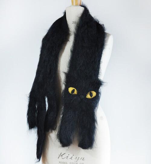 黒猫のマフラー
