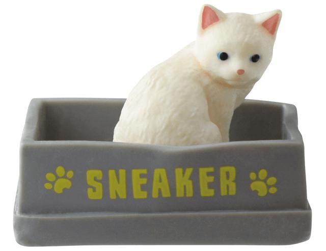 猫フィギュア「ふりむき猫」白子猫バージョン