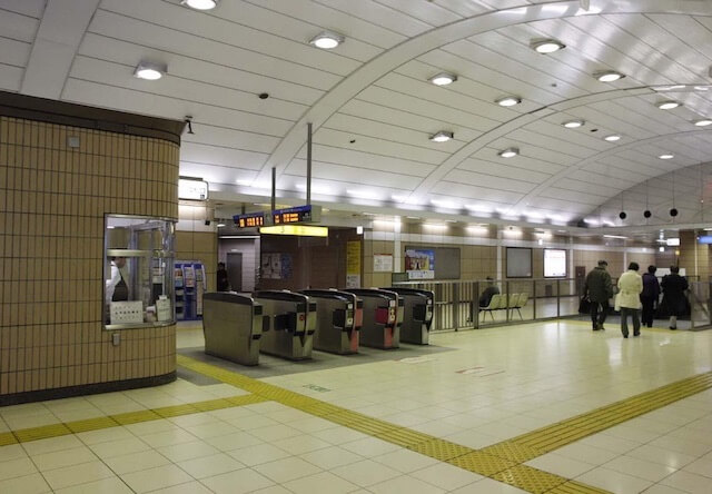 猫の写真展が開催される踊場駅(おどりばえき)の構内