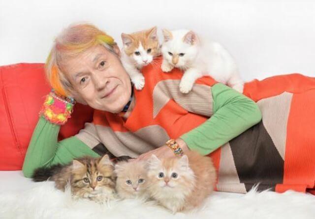 志茂田景樹氏による「猫様のお言葉卓上カレンダー2017」が発売