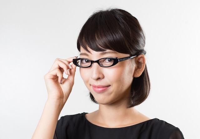 猫デザイン眼鏡「CAT VISION(キャットビジョン)、「ひなたぼっこ」デザインの装着イメージ