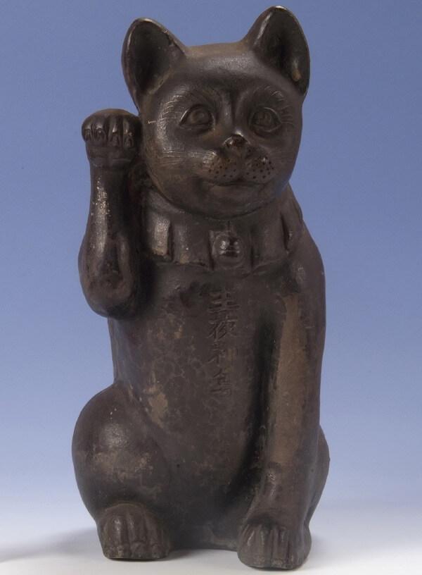 京都・檀王法林寺(だんのうほうりんじ)の「主夜神尊の御使い猫」