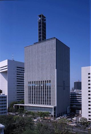 千代田区役所の外観