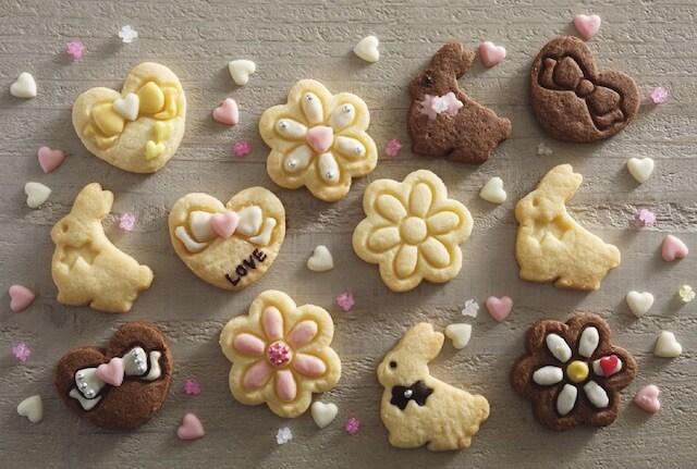 貝印×クックパッドの抜き型で作った、うさぎとお花とハートのクッキー
