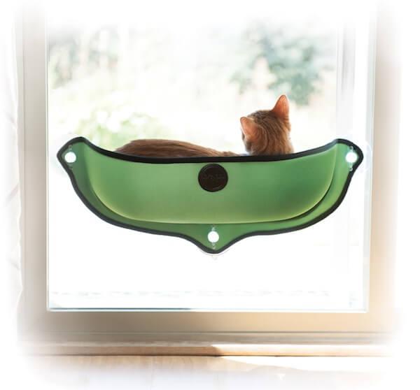 吸盤で窓に設置できる猫ベッド、EZ マウント ウィンドウ ベッド(グリーン)