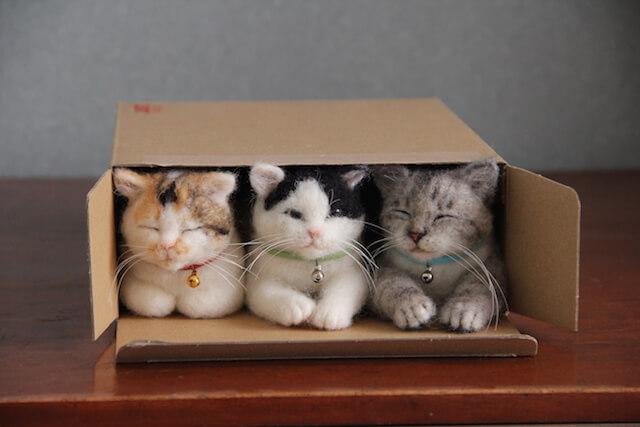 中山みどりさんの羊毛フェルト作品、オーダーメイドで制作した3匹の猫