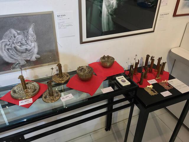 「パリ・NEKO・コレクション」猫モチーフの一輪挿し