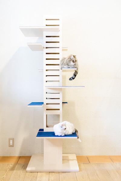 キャットタワー「necobacoT」のインディゴカラー(藍色)の全体写真