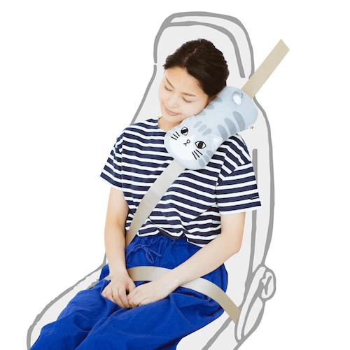 フェリシモ猫部の猫型シートベルト枕