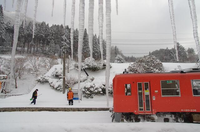 山岡亮治さんの鉄道写真、雪景色と鉄道