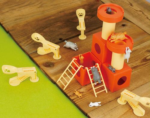 猫フィギュアを飛ばして遊ぶ玩具「飛ぶニャン! ネコとばし」