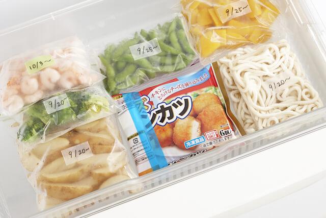 ディアキチ ワザアリテープの用途例、冷凍庫に入れたジップロックに日付をラベリング
