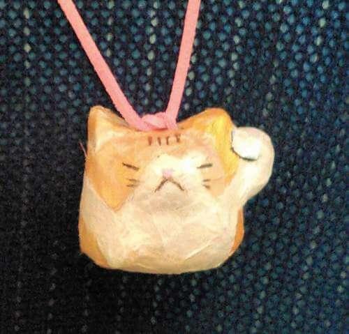 海老天たまこさんによる招き猫のペンダントづくり@招き猫美術館